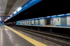 Quai de métro Image stock