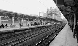 Quai del tren Imagenes de archivo