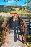 Quai sur le lac Colfiorito photos stock