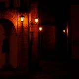 Quaint donkere straat Royalty-vrije Stock Afbeeldingen