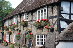 Quaint Old British Pub in Summer, England. Royalty Free Stock Photos