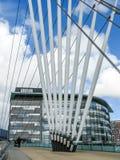 Quais de Salford de passerelle, Manchester Image stock