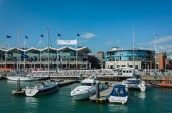 Quais Portsmouth Angleterre de Gunwharf image libre de droits