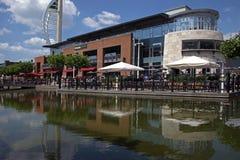 Quais Portsmouth de Waterside Dinning Gunwharf images stock