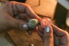Qualità fatta a mano della muffa dell'anello dei gioielli fotografie stock