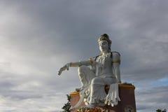 Quan Yin staty på den Mutsea bergsynvinkeln Royaltyfri Foto