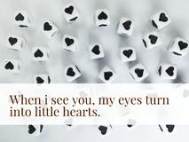 Quand je vous vois mes yeux se transformer en petits coeurs inspiré citent photographie stock libre de droits