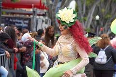 quarante-et-uni?me d?fil? grand annuel de Carnaval ? San Francisco, la Californie photos stock