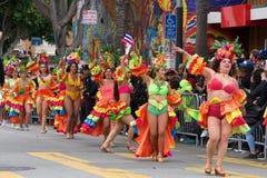 quarante-et-uni?me d?fil? grand annuel de Carnaval ? San Francisco, la Californie image stock