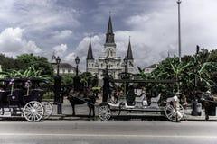 Quart de St Louis Cathedral New Orleans French, rue de Decatur photographie stock