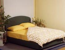 Quarto da cama Imagens de Stock Royalty Free