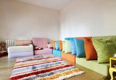 Quarto de assento colorido Assorted moderno do Rattan Fotografia de Stock