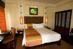 Quarto de hotel asiático do estilo no recurso de termas do boutique imagens de stock royalty free