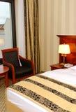 Quarto de hotel confortável Imagem de Stock Royalty Free