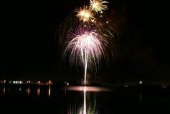 Quarto dei fuochi d'artificio di luglio nel 2008, la contea di Klamath Fotografia Stock