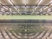 Quarto desinfetado interno na fábrica, sala vazia, industrial fotos de stock