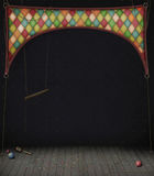 Quarto do circo com balanços e esferas Imagens de Stock