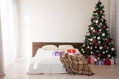 Quarto do fundo do Natal com feriados dos presentes de um ano novo imagens de stock