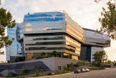 Quartos principais de Sasol em Sandton, Joanesburgo no por do sol, projetado por arquitetos do modelo imagens de stock royalty free