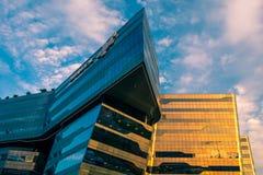 Quartos principais de Sasol em Sandton, Joanesburgo no por do sol, projetado por arquitetos do modelo foto de stock