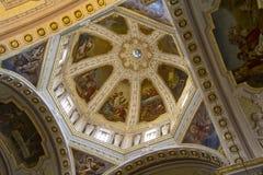 QUARTU S e , ITÁLIA - 27 de julho de 2013: Cofre-forte da basílica de St Helena - Sardinia Fotografia de Stock