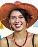 QUARTU S e , ITALIË - Augustus 2, 2015: De Partij van strandcosplay - kostuumparade in Marlin Club van Poetto-Strand wordt gehoud Royalty-vrije Stock Fotografie