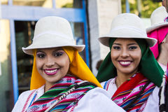 QUARTU S E , ITALIEN - Juli 15, 2016: 30 ^ Sciampitta - internationell festival av folklore - Sardegna royaltyfria foton