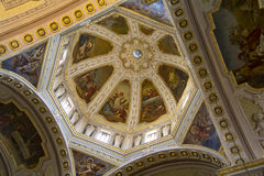 QUARTU S e , ITALIEN - 27. Juli 2013: Wölbung der Basilika von St. Helena - Sardinien Stockfotografie