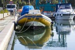 QUARTU S E , l'ITALIE - 26 janvier 2013 : Marina dans la station de vacances de Capitana - la Sardaigne Photo stock