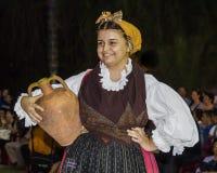 QUARTU S E , l'ITALIE - 16 septembre 2012 : Ainsi habillé dans Quartu - défilé des costumes et de la période d'abbigliiamento - l Photo libre de droits