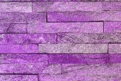 Quartzite σχεδίου shabby πορφυρή φυσική σύσταση τούβλων πετρών για τη χρήση υποβάθρου στοκ φωτογραφία