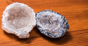 Quarz-Achat geschnitten in halbes natürliches Stockbild