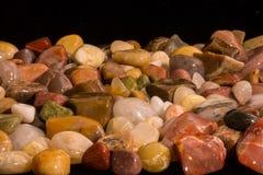 Quarz-Achat Jasper Small Rocks Polished Lizenzfreie Stockfotografie