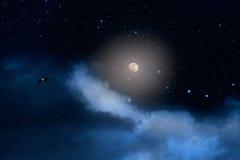 Quasi notte della luna piena immagini stock libere da diritti