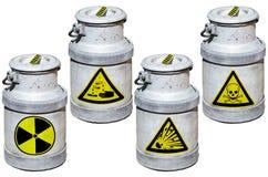 Quatre barils avec des déchets dangereux Photos stock