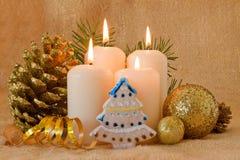 Quatre bougies d'arrivée. Image stock