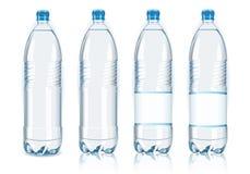 Quatre bouteilles en plastique avec les étiquettes génériques Photographie stock libre de droits