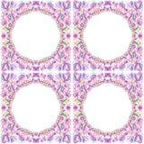 Quatre cadres ronds avec l'ornement floral Image libre de droits