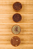 Quatre cuvettes de thé   Photographie stock