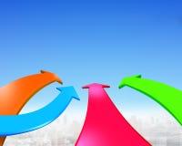 Quatre flèches de couleur vont en avant Images libres de droits
