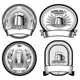 Quatre labels de bière (noirs et blancs) Images stock