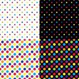 Quatre modèles de point colorés sans couture différents de polka Illustration de vecteur illustration libre de droits