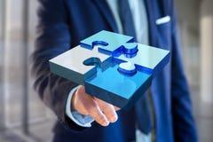 Quatre morceaux de puzzle faisant un logo sur une interface futuriste - 3d Images libres de droits