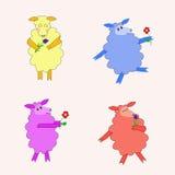 Quatre moutons d'isolement colorés avec des fleurs Photos stock