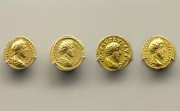 Quatre pièces de monnaie d'or de Marcus Aurelius Emperor Images libres de droits