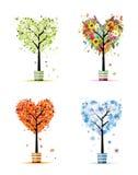 Quatre saisons - source, été, automne, arbre de l'hiver Photos stock