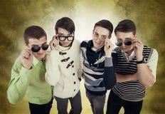 Quatre types frais dans des lunettes Images libres de droits