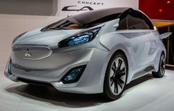 quatre-vingt-troisième Genève Motorshow 2013 - concept CA-MIEV de Mitsubishi Image stock