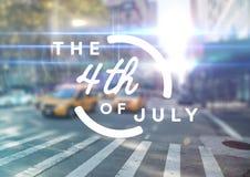 Quatrième de blanc de graphique de juillet contre la scène trouble de rue avec des fusées Photos stock