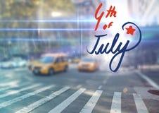 Quatrième de graphique de juillet contre la scène trouble de rue avec des fusées Photographie stock libre de droits